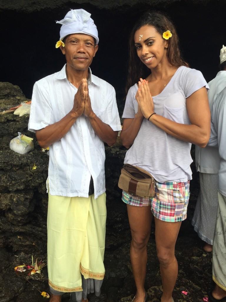 bali-indonesian-island-tanah-lot-temple-707ave