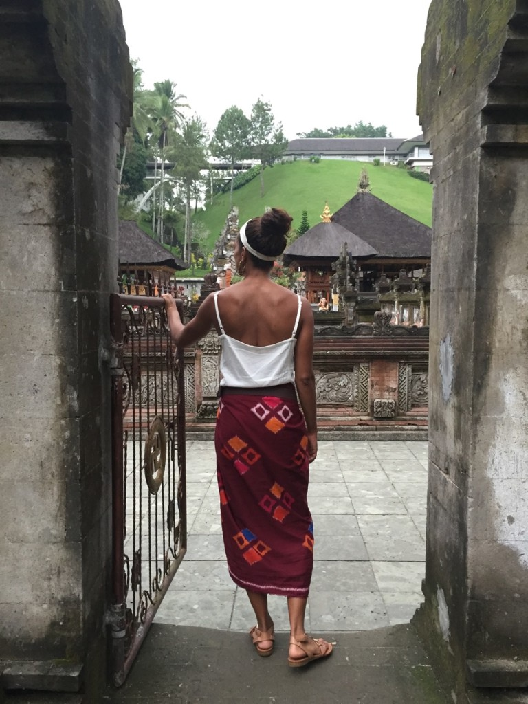 bali-indonesian-island-tirta-empul-temple-holy-water-flows-707ave13
