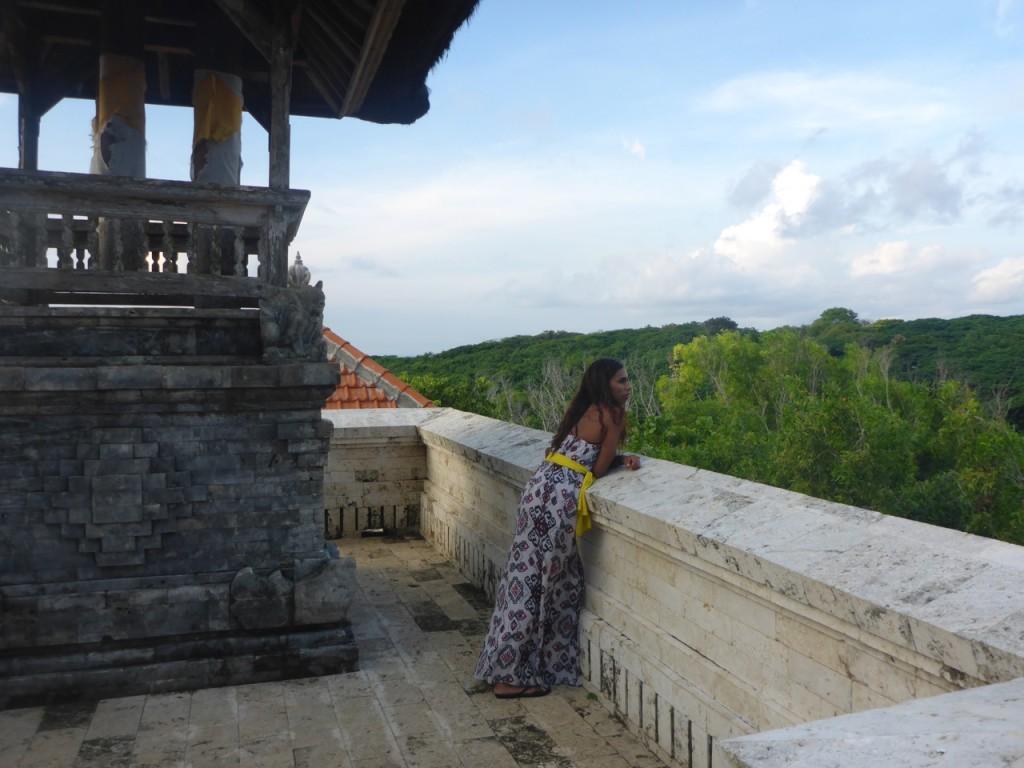 bali-indonesian-island-uluwatu-temple-707ave-9