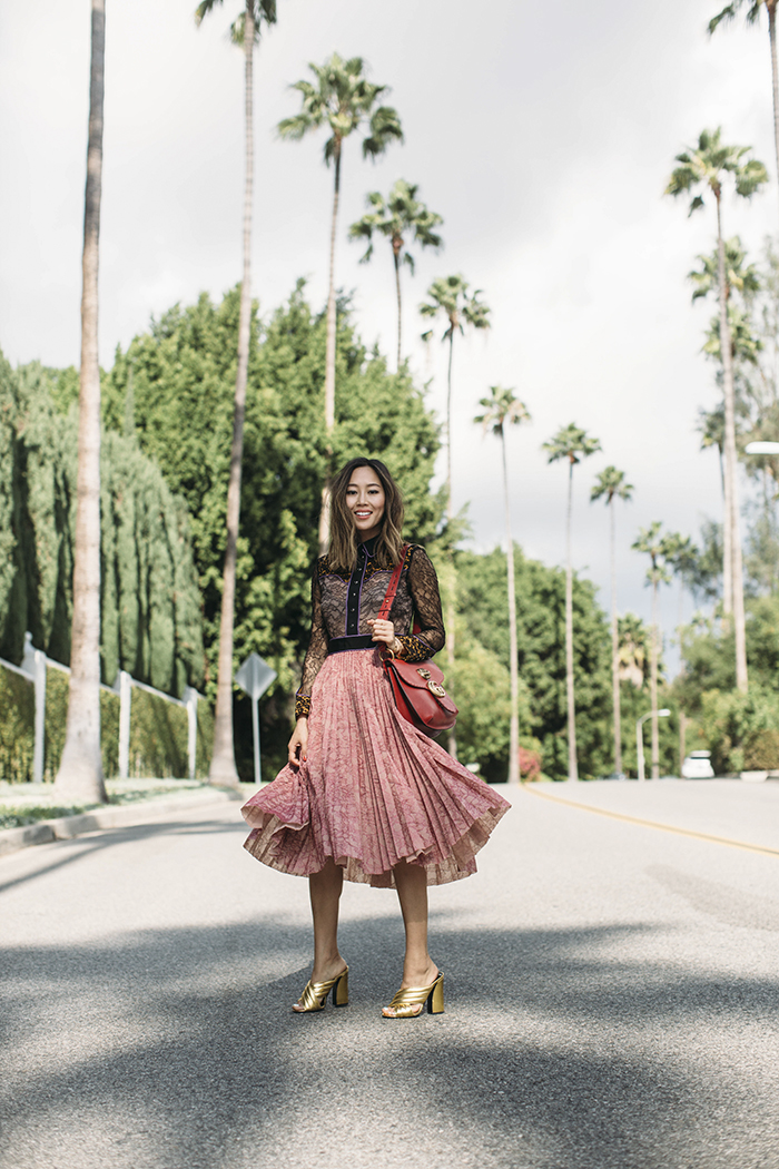 aimee_song_of_style_gucci_resort_lace_dress_gucci_crossover_metallic_sandals_gucci_red_bag